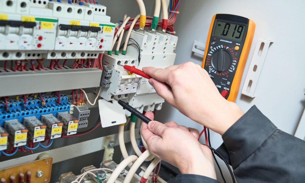 Монтажные работы с электрооборудованием